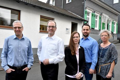 Produktion Bandsägeblätter Bandmesser Textilmesser Team - B+S Germany